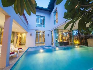 Pattaya Holiday Villa BL***********