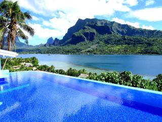 Villa Blanche - Moorea - vue  - piscine - 6 pers