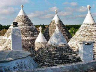 Stylish trulli villa in olive park, Martina Franca