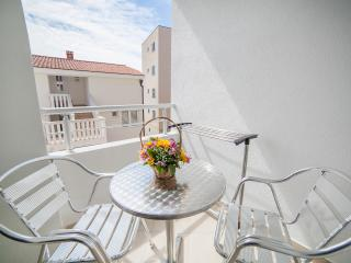 Apartments Ivan - Apartment with Balcony 1, Petrovac