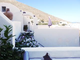 Timedrops Santorini Cycladic Villa