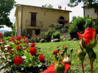 Castellonesto - Appartamenti con piscina, Cagli