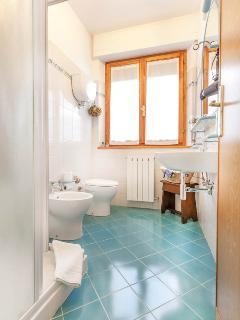 Poli bathroom - Villa PoliFlora