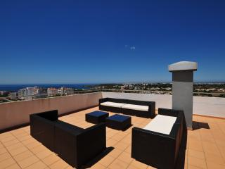 Luxury 10th Floor 4 Bedroom Apartment & Ocean View, Praia da Rocha