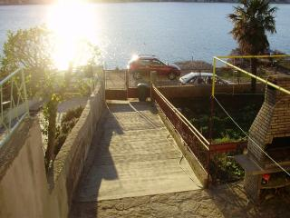 Apartman for 4 people in Tisno, ideal for holliday
