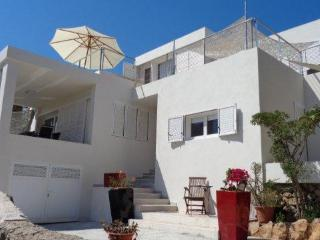 9pax house+pool 400m to beach and 3km to Ibiza