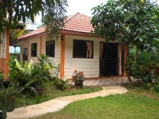 Ply-kaew Guest House 2