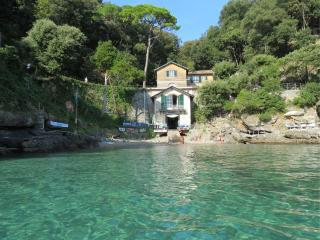 Apartment in Portofino right on the sea