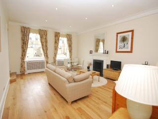 2 BEDROOM CENTRALLY LOCATED IN SOUTH KENSINGTON