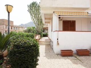Faro Giallo, bilocale in residence con veranda, San Vito lo Capo