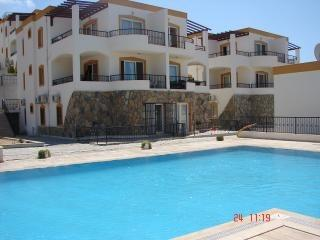 Bodrum Gumbet holiday apartment with sea view, aluguéis de temporada em Konacik