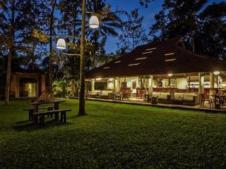 Casa Madu - Lush Boho Luxury in Ubud