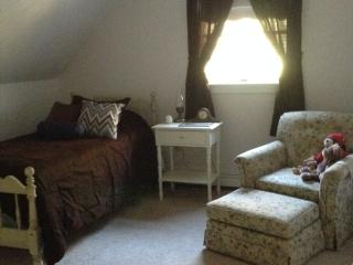 Sweet Ashuelot- Twin Room, Washington