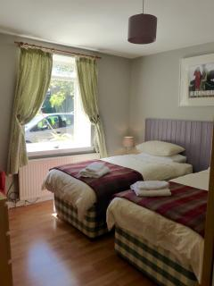 Bedroom1 (kingsize or twin)