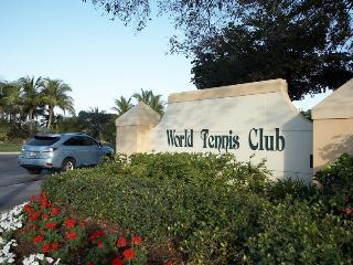 Rental / Vacation Condo  in Naples, Florida 34105