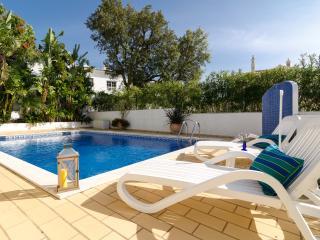 PERFECT FAMILY VILLA, near Carvoeiro, Algarve