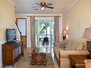 30 night Minimum Stay Heart of Historic downtown  206 2 bed 2 1/2 Bath, Key West
