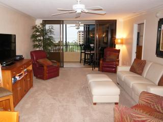 Beautifully Redone Gulf & Bay Beach Front Condo