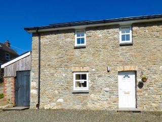 NO 1, semi-detached farm building conversion, WiFi, enclosed courtyard, near Llanllwni, Ref 924419