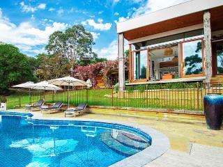 LUXICO - Peninsula Estate (Mt Eliza, Victoria)