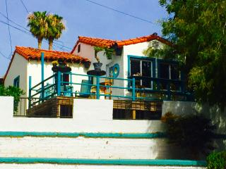BEST LOCATION! 4 BR HOUSE!2 min WALK to the beach!, San Clemente