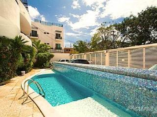 ALLEGRO - 2 Bedroom Apartment Downtown Playa!, Playa del Carmen