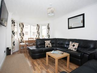 Luxury 2 Bedroom Haymarket Apartment, Edimburgo