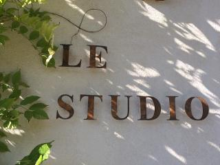 Welcome to 'Le Studio'