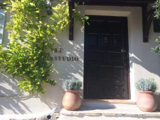 'Le Studio' front door
