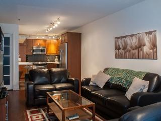 Marketplace Lodge #218 - Fully renovated suite within Whistler Village North