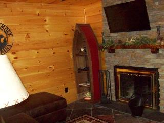 One Bedroom Condo in the Heart of Gatlinburg (Unit 206)