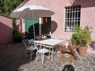 lovely apartment with terrace in Bargecchia, Massarosa