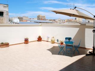 Appartamento con terrazzo per 4 persone., Siracusa