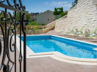 Villa Kogo Apartment 1 with a swimming pool, Hvar