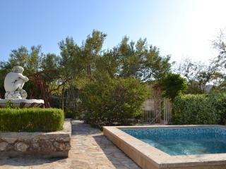 Seaside Oasis 2BR BEACHFRONT Apt with Kids Pool - BEST LOCATION on Ciovo Island