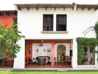 Villas Santa Ana 02, Antigua
