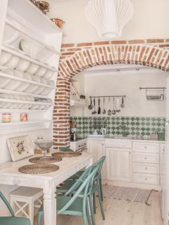 Traditional kitchen fully renovated