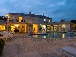 Cook, Butler & Private Driver, Huge Pool & Tennis Court, Tryall Club Membership Incl., Montego Bay