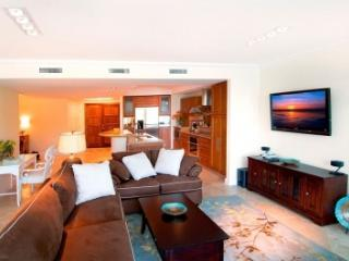 Stunning 3 Bedroom Condo in Oyster Bay, Oyster Pond