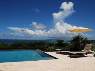 Quaint 4 Bedroom Villa in Orient Bay