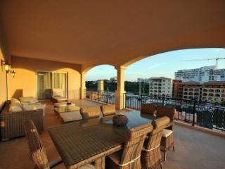 Lovely 4 Bedroom Villa in Cupecoy, St. Maarten/St. Martin