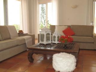 5 Bedroom Villa with Pool in Terres Basses