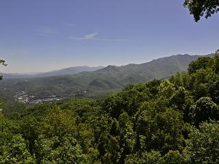 2114 Smoky Mountain High, Gatlinburg