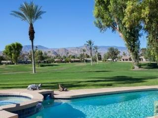 PALM SPRINGS: TRANQUIL GOLF COURSE PARADISE, Palm Desert