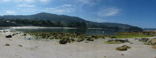 Entorno:  playa del Santo (con marea baja)
