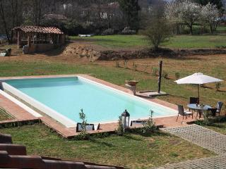 I5.532 - Villa with pool e...