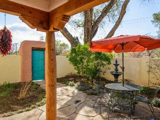 Two Casitas-Lavender-Charming, Walk to the Plaza, Santa Fe