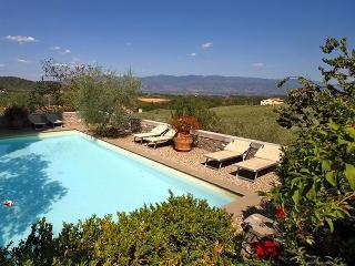 I5.230 - Villa with pool n...