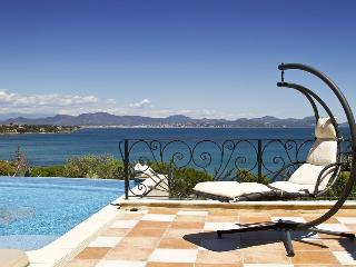 83.545 - Luxurious villa w...