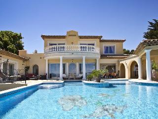 83.545 - Luxurious villa w...